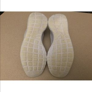 Nike Shoes - Womens Nike Roshe One Hyperfuse BR Shoes. Size 5.